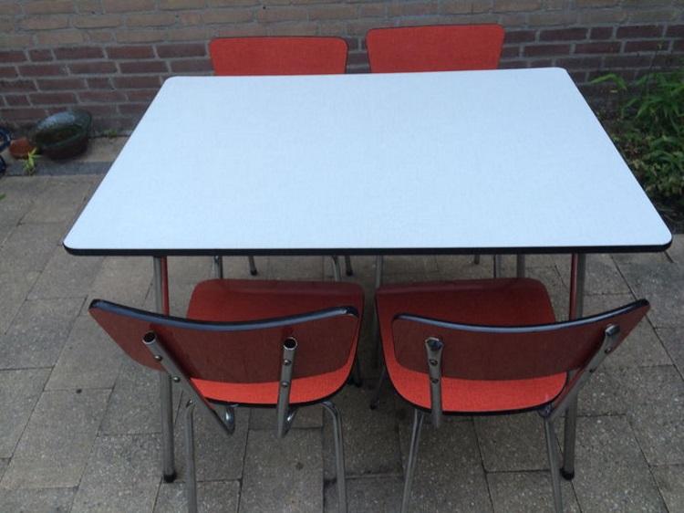 tafel stoelen retro vintage camping keuken