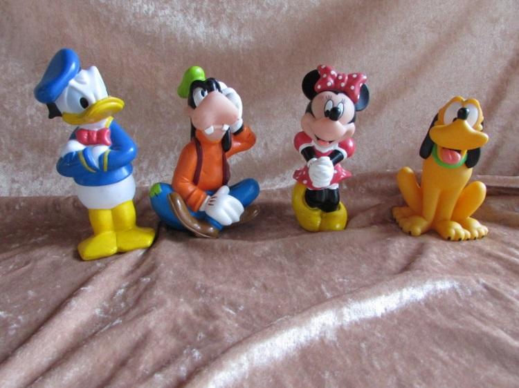walt disney donald duck pluto goofy minnie mouse