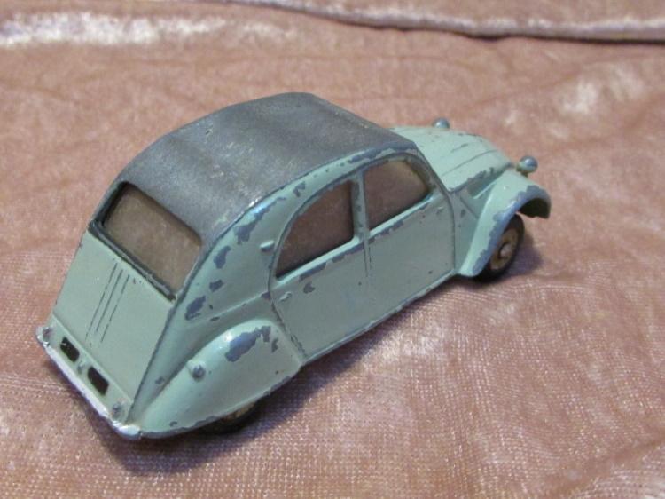 dinky toy meccano citroen 2cv groen grijs eend france
